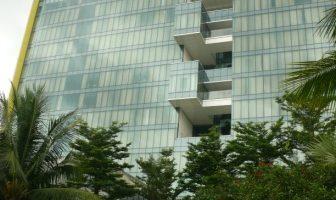 fasad mengarah ke kolam renang hotel double treefasad mengarah ke kolam renang hotel double tree